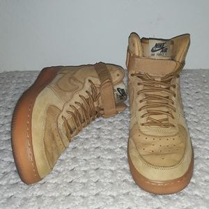 Air Force 1 High LV8 GS 'Flax' wheat size 6.5y
